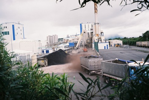 Uncovered coal ash truck at Waitoa Dairy Factory
